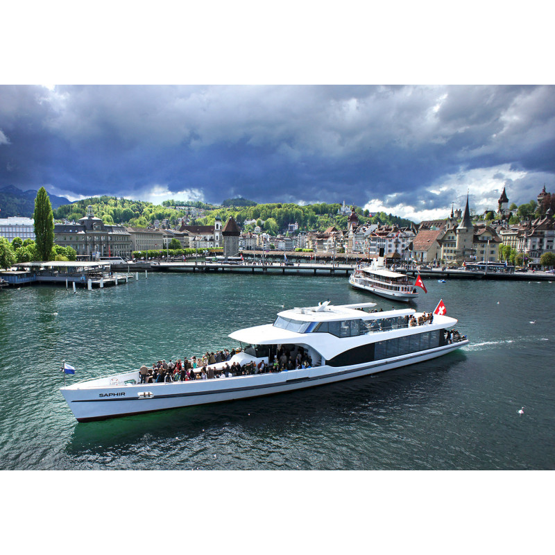 Ticket 1-stündige Rundfahrt mit Panorama-Yacht Saphir